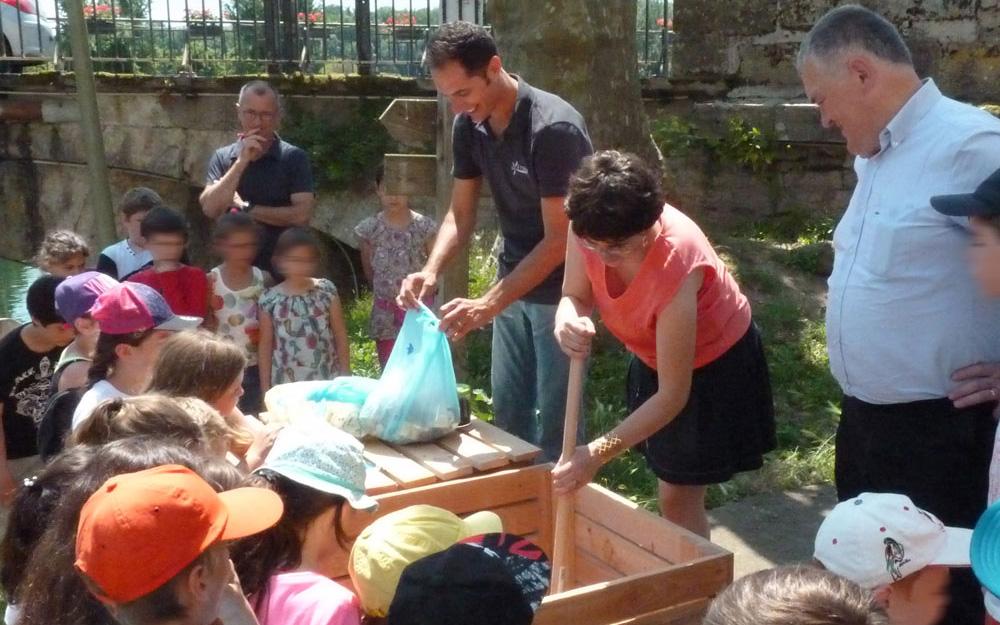 Installation d'un composteur collectif pour une commune et son école